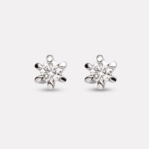 Guri earring in white gold with diamond