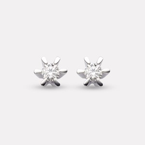 Silje earring in white gold with diamond