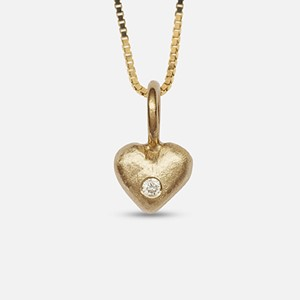 Lille Pernille pendant in yellow gold with diamond
