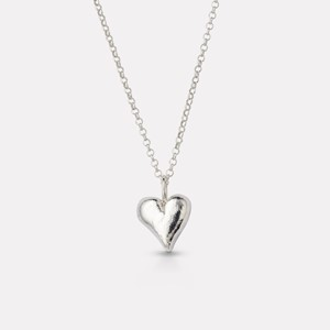 Organic heartpendant in silver with chain